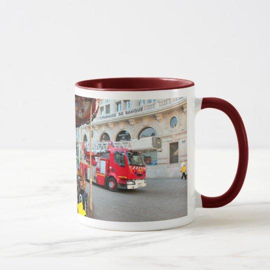 In case of fire Call 999 (UK) 911  (USA) Mug