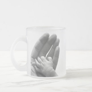 In Daddy's Hand 10 Oz Frosted Glass Coffee Mug