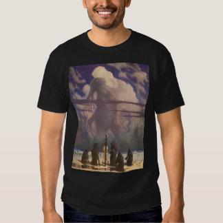 In his house at R'lyeh, dead Cthulhu waits dreamin T Shirt