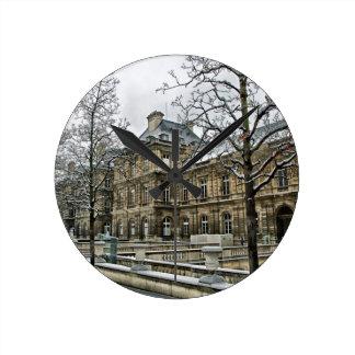 In Paris Round Clock