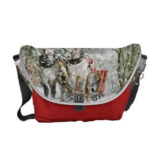 In sledge! messenger bag