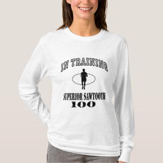 In trainingSuperior Sawtooth 100 T-Shirt