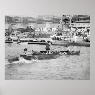 Inclinación de la canoa póster