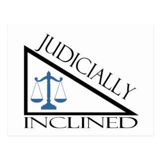 Inclinado judicial tarjetas postales