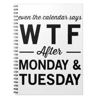 Incluso después lunes martes el calendario dice libro de apuntes con espiral
