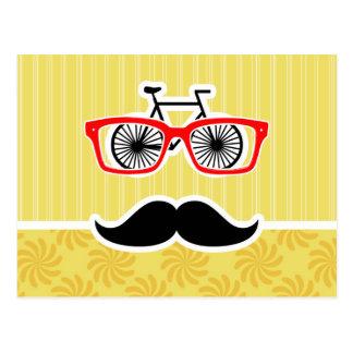 Inconformista amarillo divertido postales