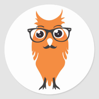 Inconformista anaranjado del búho pegatina redonda