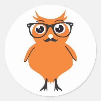 Inconformista del búho con los vidrios y el bigote pegatina redonda