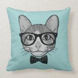 Inconformista del gato con la pajarita de los cojín decorativo