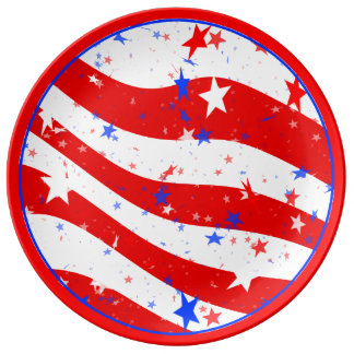 Independence Day Curved Stars and Stripes Dinner Plate
