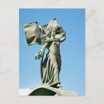 http://rlv.zcache.com/independence_monument_postcard-p239229147372103365trdg_400.jpg
