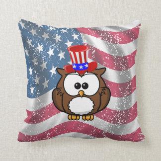 Independence owl day throw pillow