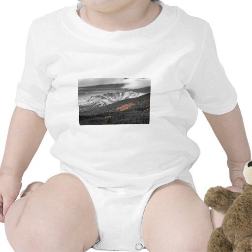 Independencia de la montaña rocosa camisetas