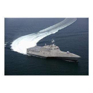 Independencia de la nave de combate en el Golfo de Impresiones Fotográficas