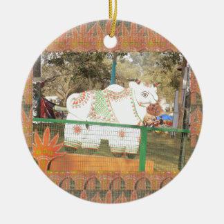 India art crafts show holy cow statue new delhi ceramic ornament