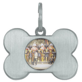 India cultural show statue of musicians artists pet tag