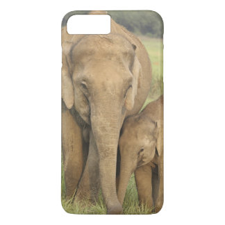 Indian / Asian Elephant and young one,Corbett iPhone 8 Plus/7 Plus Case