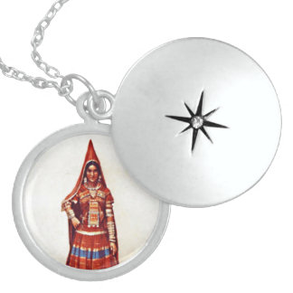 INDIAN WOMEN LOCKET NECKLACE