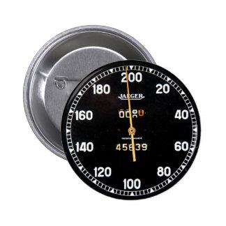 indicador viejo del velocímetro de un coche de car pin