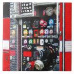 Indicadores coloridos en el coche de bomberos tejas  cerámicas