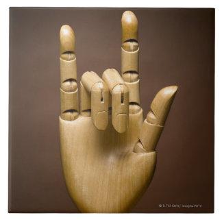 Índice de madera de la mano y pequeño dedo ampliad azulejo cuadrado grande