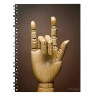 Índice de madera de la mano y pequeño dedo note book