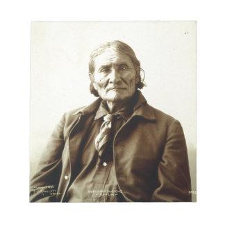 Indio del nativo americano de Geronimo (Guiyatle)  Blocs De Notas