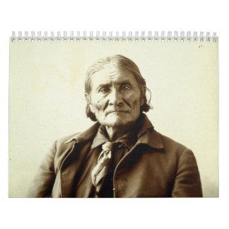 Indio del nativo americano de Geronimo (Guiyatle) Calendarios De Pared