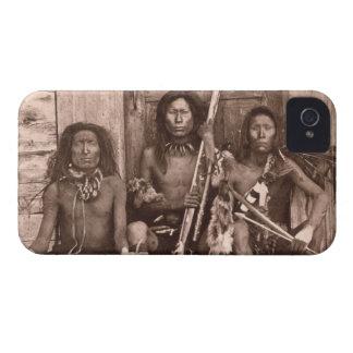 Indios de Spokane, 1861 (foto de b/w) Case-Mate iPhone 4 Protector