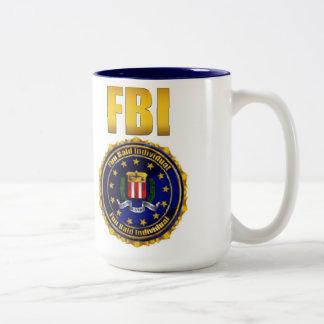 Individuo calvo de la diversión tazas de café