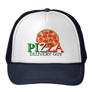 Individuo de la entrega de la pizza gorra