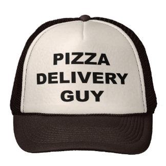 Individuo de la entrega de la pizza gorros bordados