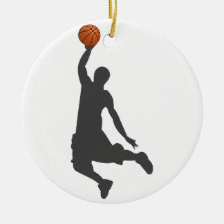 Individuo de la mosca del baloncesto adorno navideño redondo de cerámica