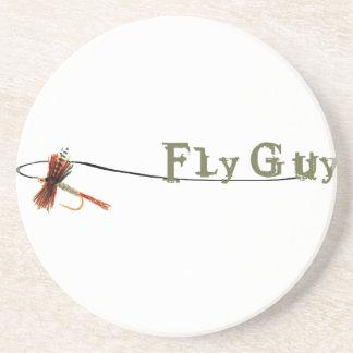 Individuo de la mosca posavaso para bebida
