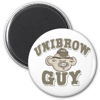 Individuo de Unibrow con el gorra Imán Redondo 5 Cm