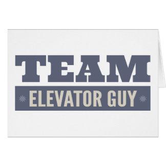 Individuo del elevador del equipo tarjeta de felicitación