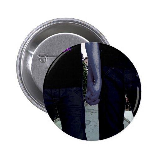 Individuos que llevan a cabo las manos pin redondo 5 cm