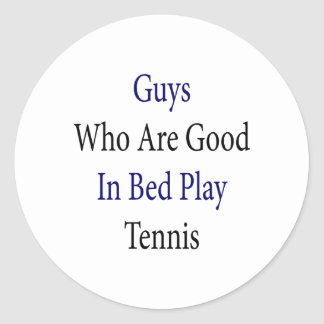 Individuos que son buenos en tenis del juego de la pegatina redonda
