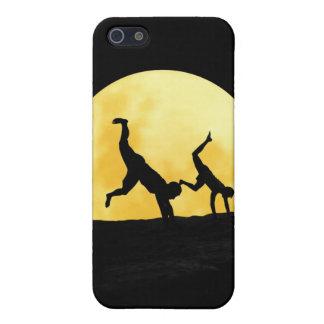 Individuos y la Luna Llena iPhone 5 Carcasa
