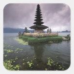 Indonesia, Bali, templo de Ulun Danu Pegatina Cuadrada