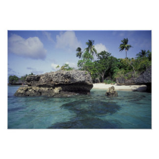 Indonesia Formaciones de roca a lo largo de la or Posters