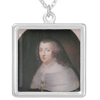 Infanta de España y reina de Francia Collar Plateado