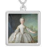 Infanta Isabel de Borbón-Parme 1749 Collar Plateado