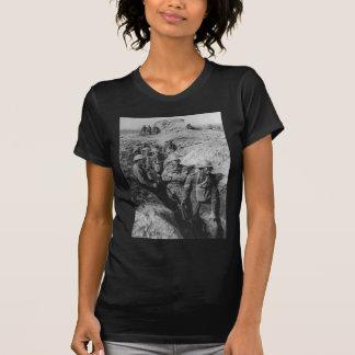 Infantería australiana que lleva respiradores de camiseta