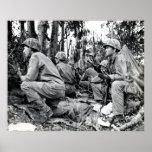 Infantes de marina de WWII LOS E.E.U.U. en Peleliu Posters