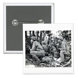 Infantes de marina de WWII LOS E.E.U.U. en Peleliu Pin Cuadrado