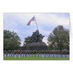 Infantes de marina en la estatua de Iwo Jima, tarj Felicitación