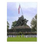 Infantes de marina en la postal de la estatua de I