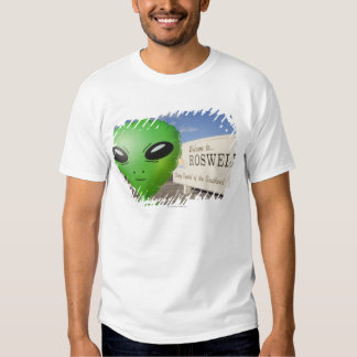 Inflatable alien with Welcome to Roswell sign in Tee Shirt