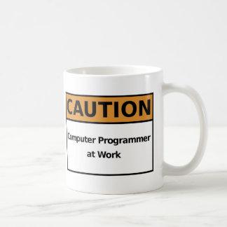 Informático en el trabajo taza clásica